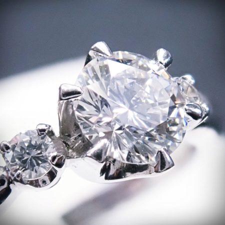 プラチナ ダイヤモンドリング 0.58ct